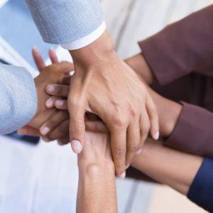 חבילה משפחתית לשיפור היחסים והאינטיליגנציה הריגשית